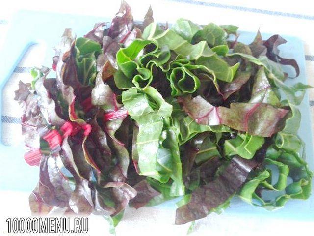 Фото - Овочевий салат з мангольда з насінням льону - фото 2 кроки