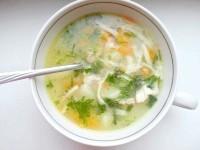 Як приготувати домашня локшина в курячому супі - рецепт