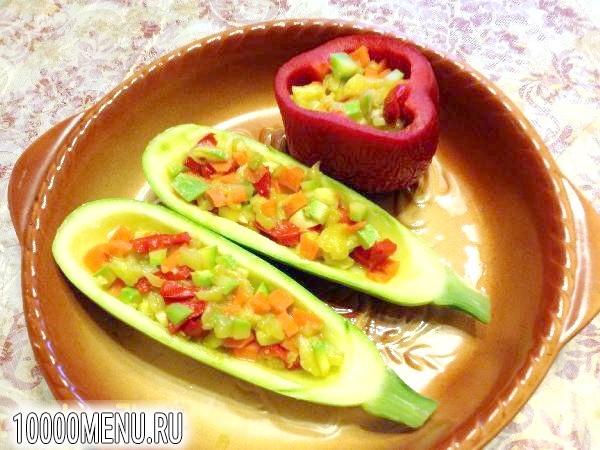 Фото - Фарширований овочами кабачок - фото 3 кроки