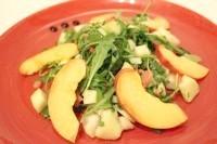 Як приготувати фруктовий салат з полуничною заправкою - рецепт