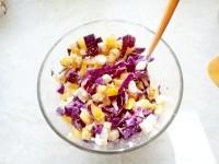 Як приготувати хрусткий салат з червоною капустою - рецепт
