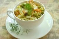 Як приготувати хрусткий салат з куркою і овочами - рецепт