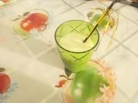Як приготувати коктейль молочний з бананом і медом - рецепт