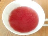 Як приготувати компот дитячий зі смородини та полуниці - рецепт
