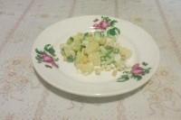 Як приготувати курячий салат з ананасами та кукурудзою - рецепт