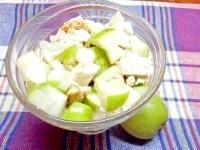 Як приготувати курячий салат з грушею - рецепт