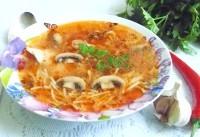 Як приготувати курячий суп з вермішеллю і томатом - рецепт