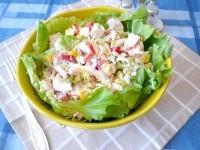 Як приготувати літній салат з крабовими паличками і болгарським перцем - рецепт