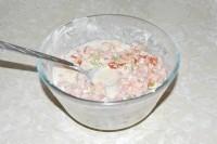 Як приготувати легкий салат з часником і помідорами - рецепт