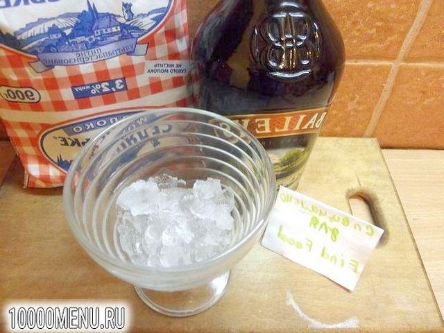 Фото - Молочний коктейль на основі лікеру Baileys - фото 2 кроки