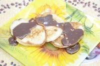 Як приготувати оладки з шоколадом і бананами - рецепт