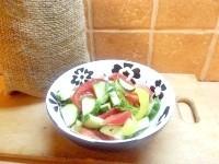Як приготувати оригінальну заправку овочевого салату - рецепт