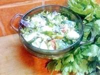 Як приготувати овочевий салат з часником - рецепт