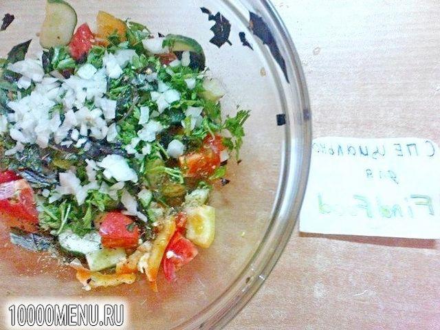 Фото - Овочевий салат з часником - фото 5 кроку
