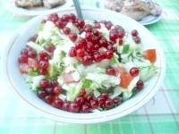 Як приготувати овочевий салат з червоною смородиною - рецепт