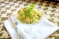 Як приготувати овочевий салат з куркою і сухариками - рецепт