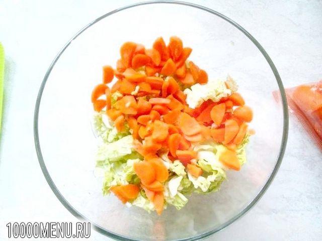 Фото - Овочевий салат з пекінською капустою - фото 3 кроки