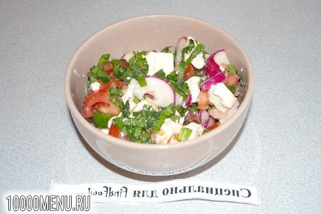 Фото - Овочевий салат з помідорами і фетою - фото 5 кроку