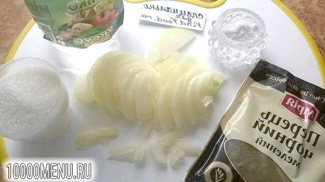 Фото - Печінковий салат з маринованою цибулею - фото 2 кроки