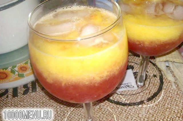 Фото - Персиковий коктейль з малиновим лікером - фото 5 кроку