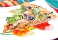 Як приготувати піцу з креветками і брокколі? рецепт