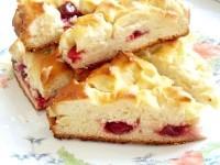 Як приготувати пиріг з вишнею - рецепт