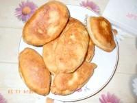 Як приготувати пиріжки з картоплею і куркою - рецепт