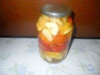 Як приготувати помідори з яблуками на зиму - рецепт