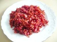 Як приготувати пісну гречку тушковану з буряком - рецепт