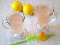 Як приготувати рожево-лимонний напій - рецепт