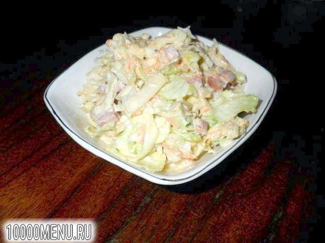 Фото - Салат з капусти з ковбасою - фото 4 кроки