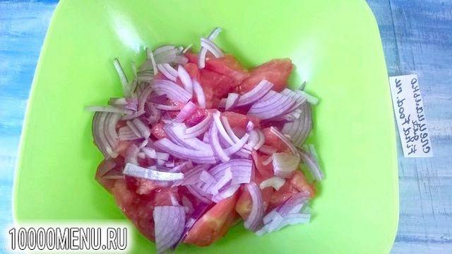 Фото - Салат з баклажанами і помідорами - фото 4 кроки