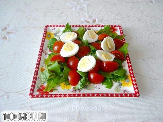 Фото - Салат з перепелиними яйцями і черрі - фото 4 кроки
