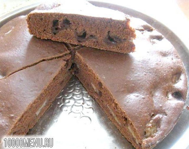 Фото - Шоколадний пиріг з бананом і вишнею - фото 5 кроку