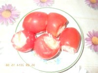 Як приготувати солоні помідори фаршировані капустою - рецепт