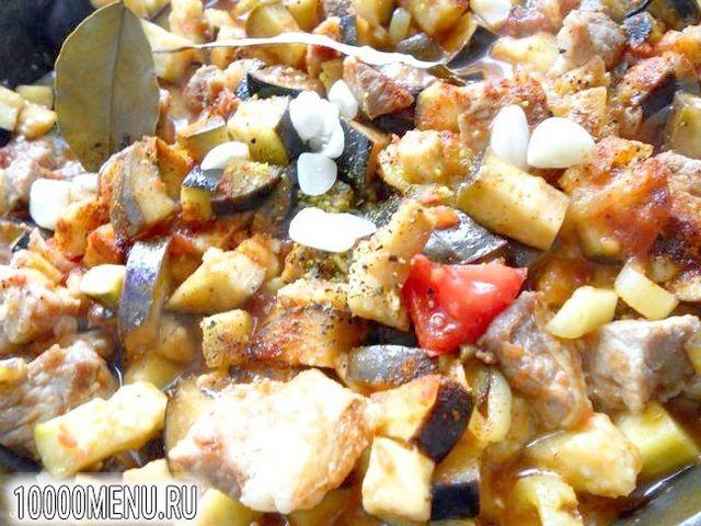 Фото - Свинина з баклажанами в гострому соусі - фото 6 кроку