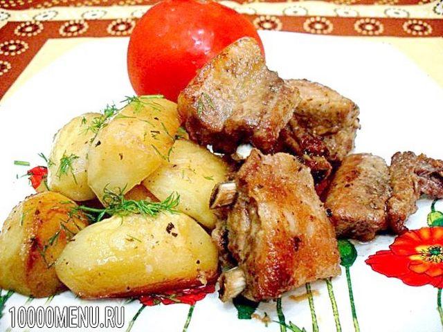 Фото - Свинячі реберця запечені з картоплею - фото 11 кроку