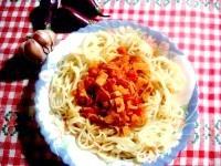 Як приготувати томатний соус з ковбасою - рецепт