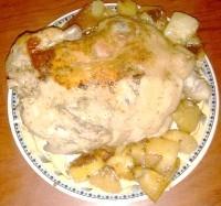 Як приготувати запечену курку з картоплею в мультиварці - рецепт