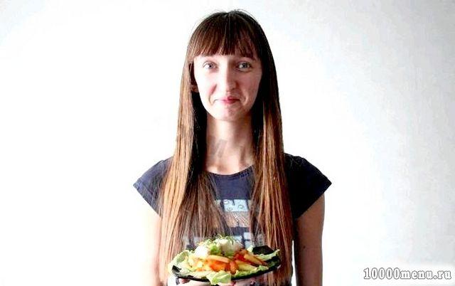 Фото - Рибний салат з відварної тріски готовий, смачного! Дуже яскравий за смаком салат! Соковитий, незвичайний, оригінальний! Точно буде хітом на будь-якому столі.