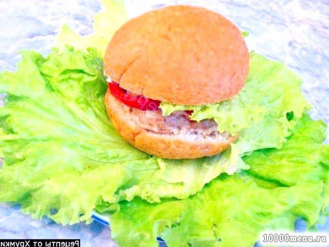 Рецепт чізбургер з котлетою і запеченими овочами з фото