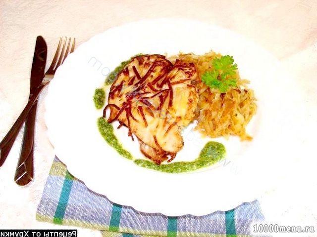 Фото - Куряче філе в картоплі з гарніром і соусом