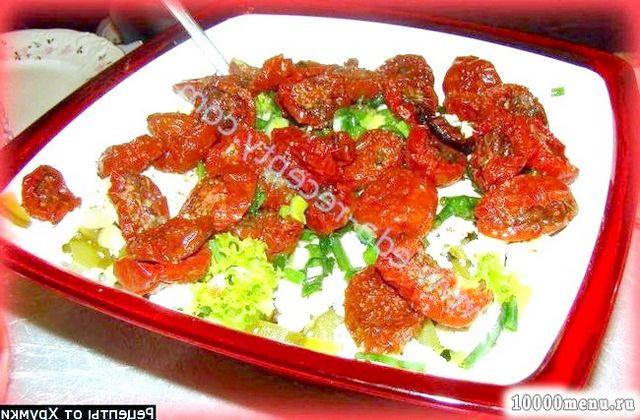 Фото - Легкий салатик з в'яленими помідорами