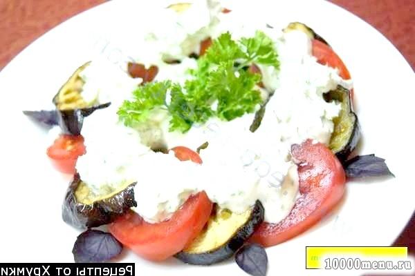 Фото - Салат з баклажанами і помідорами