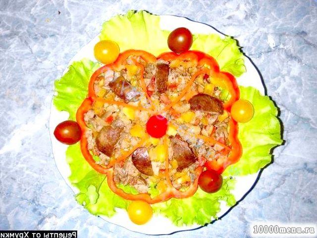Фото - Теплий салат з курячою печінкою і помідорами