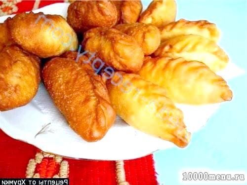 Фото - Смажені пиріжки з цибулею яйцем з листкового тіста